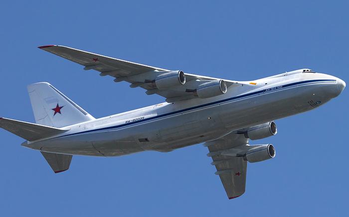安-124大型运输机.png